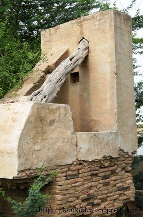 रघुनाथपुरा, सूरतगढ़ में प्राचीन कुएं पर बना ढांचा.